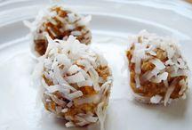 Yum! Healthy GF snack ideas / Gluten-free Vegetarian Sugar-Free Snack ideas & info