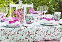 Garden Party / I am dreaming of a chic garden party!  / by Torie Jayne