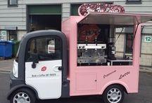 Пердвижной грузовичок с кофе