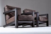 sofás e poltronas em estrutura