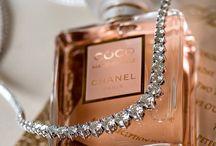 Chanel Mademoiselle / Dekoriert