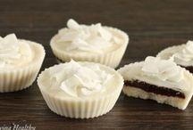 Paleo Dessert Recipes / Easy paleo dessert recipes that satisfy your sweet tooth!
