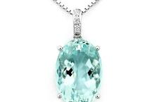 Oval diamond settings