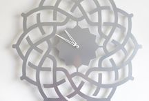 Wall clock ARABESQUE silver / The silver painted version of the Arabesque clock in 40 cm and 60 cm - Design by Jacques Lahitte - © Tolonensis Creation