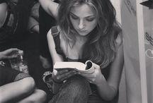 Femme qui lit.