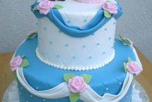 cinderella and Elsa cake/cupcakes