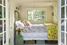 Mollys Mansion • Bed