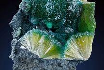 Minerals / stones, minerals