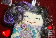 παρεάκια από τo kokkinopoua.gr handmade fabric dolls our pals / Αυτά τα μικρούλικα γλυκά κουκλάκια,είναι φτιαγμένα με μεράκι. Έτοιμα να χαρίσουν τρυφερές στιγμές, σε όποιον τα αγαπήσει.