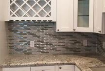 Kitchens Remodeling Ideas / Using Clever ideas to remodel a kitchen backsplash, kitchen area or overall kitchen remodel | Arabesque tiles | Metal tiles | Glass tiles