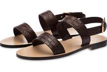 Sandals and Flip Flops / by SUPERGLAMOUROUS