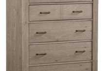 Chest / Chest come in many forms. Some consist of media, lingerie, tall, or short chest. All of these chest have collection pieces to complete an entire bedroom.