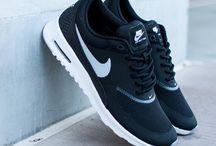 Nike/Adidas/---