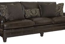 Shannon Riser Farmhouse Sofa