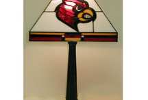UofL Dorm Room Decor / Ways to make your dorm room into a cardinal bird oasis and put your school spirit on display