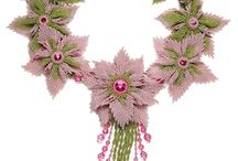 kwiaty i zawieszki z koralików