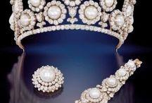 j e w e l l e r y; crowns & tiaras