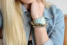 farebné hodinky | colorful watches / modré, ružové, zelené, farebné. pretože iné sú zábavné. | blue, pink, green, different. because its funny.