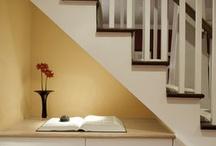 Binne_Onder trappe!*