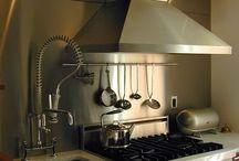 backsplash para cozinha / O revestimento próximo ao fogão não é apenas útil, mas pode ser um elemento decorativo especial na cozinha.