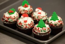 Christmas Cupcakes / Whether you're leaving a delicious cupcake out for santa or munching on sweets on Christmas morning, these cupcakes are the perfect way to celebrate your holiday!