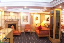 فندق كارتون, اسطنبول بتركيا / في منطقة بيوغلو في اسطنبول على ميدان تقسيم Tarlabaşı Blv No:38  Taksim, İstanbul, Türkiye