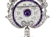 Edwardian elegance. / Edwardian and Belle Epoque jewels are often overshadowed by their chronological neighbors, Art Deco and Art Nouveau. Edwardian and Belle Epoque jewels are a beautiful category worthy of recognition in their own right.