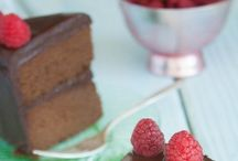 Paleo Recipes / The best paleo recipes for breakfast, lunch, dinner, desserts and snacks!