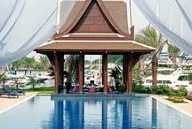 Phuket utazás | Thaiföld / Phuket az egyik legnépszerűbb úticél októbertől márciusig. Fantasztikus tengerpartjait és pezsgő éjszakai életét nekünk is érdemes felfedeznünk! www.divehardtours.com