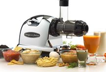 Omega Juicer 8006 / Many users who have been using this product for long period of times says that they are satisfy with the performance. You might think that spending $300 on a juicer is too much. But once you use the juicer, you'll know that you made a good call.
