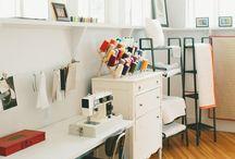 Workshop / Craft + DIY Workshop inspiration. A modern craft room for the avid DIY'er.
