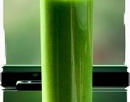 Juicing & Healthy Smoothies / by Jessica Loftin