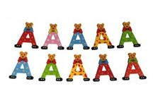 Wooden Doorletters / You can stick these wooden doorletters on your children's door. They are available in 2 heights: 10 cm and 5 cm.