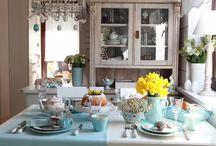 Ostern / Ostern ist der perfekte Anlass, um mit der ganzen Familie am schön dekorierten Frühstückstisch zusammenzusitzen. Lassen Sie sich doch von unseren Oster-Ideen inspirieren!