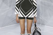 LFW Recap: Black & White / Bold Black and White looks bombarded the runway this year and are a must-have for the Spring 2016 season—we say GAME ON! h-a-l-e.com