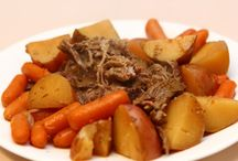 Crockpot meals / by Carrie Richardson