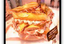 Produits / Sur le pouce / Pour votre pause déjeuner, pour une après-midi shopping dégustez nos produits à emporter. Profitez de nos snacks tout droit issus de la gastronomie espagnole.