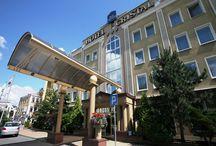 BEST WESTERN Hotel Cristal - Białystok / BEST WESTERN Cristal Hotel w Białymstoku to budynek o ponad 60-letniej tradycji hotelarskiej, usytuowany obok zabytkowego Ratusza oraz rynku miejskiego. Doskonała lokalizacja hotelu oraz liczne atrakcje, jakie oferuje przyjezdnym północno-wschodnia część Polski, sprawiają, że BEST WESTERN Cristal Hotel to wymarzone miejsce zarówno dla osób podróżujących w interesach, jak i tych, którzy szukają relaksu.