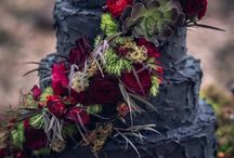 HSF loves: Gothic Halloween wedding theme / Wedding inspiration for a Gothic Halloween weddings including flowers, favours and fun décor ideas