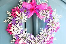 wreaths to make / by Melanie Smith-Bench