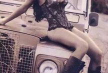 Land Rover Girls
