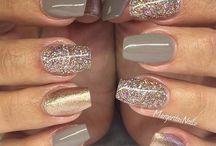 Nails*°