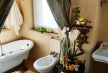 Luxury Bathroom Decor / From the petite powder room to the home spa, the bathroom is the sanctuary of the house - and it deserves a little luxury...
