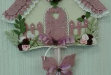 casetta rosa