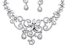 Spring Bridal Party Jewelry / Sophisticated and affordable bridal party jewelry.