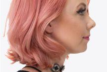 Peachy/pink