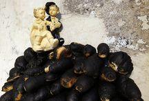 PER UN PEZZO DI PANE... / Quella del pane è una grande storia, la storia che ha accompagnato viaggiatori, pellegrini, marinai. ...Ed è un materiale dell'arte: il pane abbonda nell'arte, perché sempre l'arte fa emergere una realtà sfumata, traslucida, intrecciata, complessa, la costruzione di un equilibrio … Una mostra a cura di Francesca Alfano Miglietti in Nonostantemarras, dal 22 giugno 2015 fino al 30 settembre 2015. / by Antonio Marras