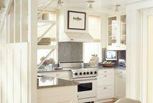 Kitchens / by Brett Dampier