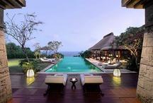 Resorts / by Gloria Vignolo