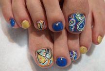 Nail Art-Toes / by Andrea Weeks